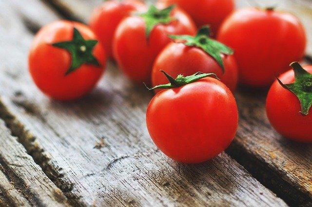 Tomaten Gesichtsmaske